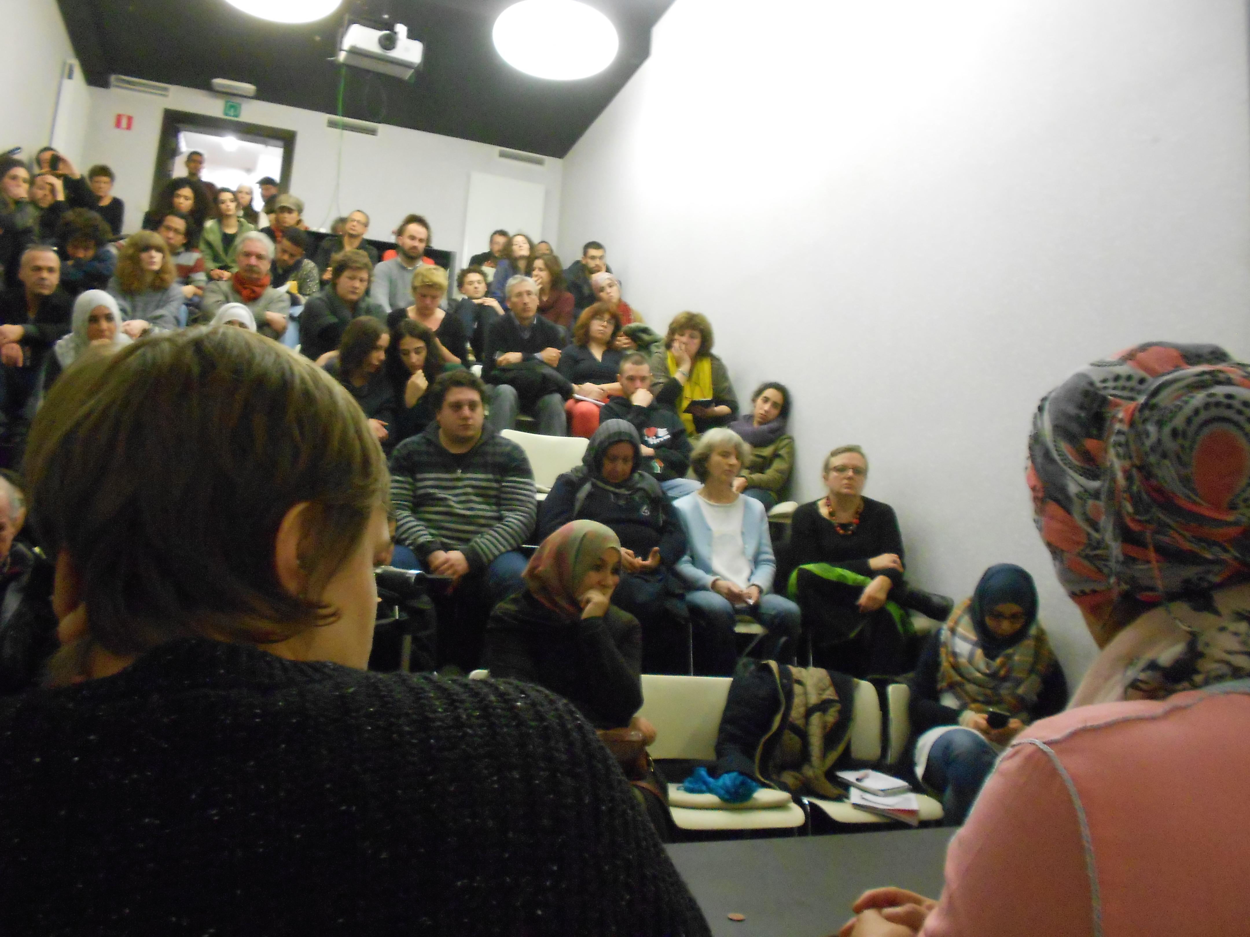 Nous voulons vous remercier pour votre participation au Meeting: Contre l'état d'urgence, l'islamophobie et la poursuite de la guerre